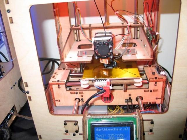 UniSA Makerbot printing Darth Vader key chain